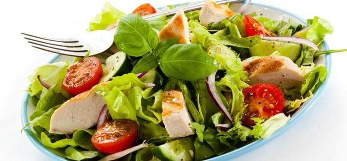 menu-sehat-untuk-bekal-makan-siang-salad.jpg