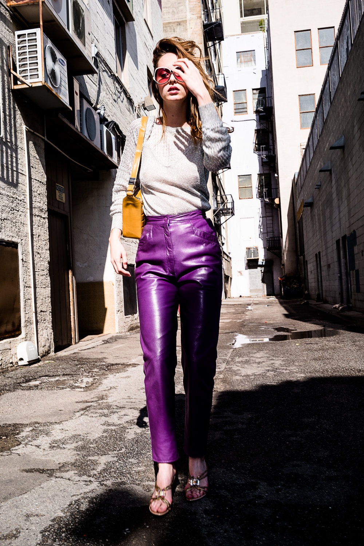 sunglasses 1970s Vintage Vignes, leather pants 1980s High-Waist Northbeach, shoes Rene Caovilla