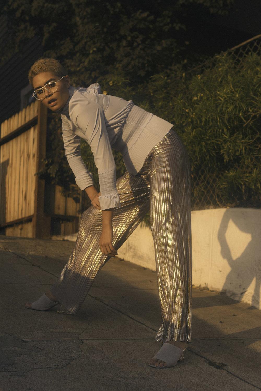 Blouse  —H&M Pants  —LEITH Shoes  —STEVE MADDEN Glasses  —JIDA WATT