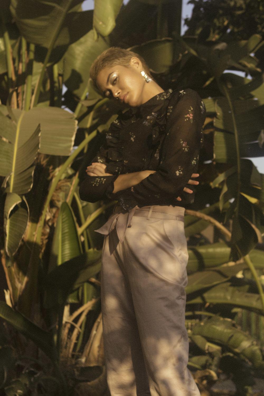 Blouse  —H&M Pants  —LEITH Shoes  —STEV ADDEN Earrings  —STYLIST OWN
