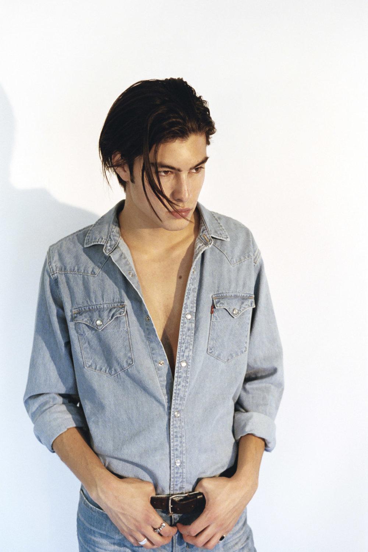 LEVIS shirt and jeans, J.LINDBERGH belt J