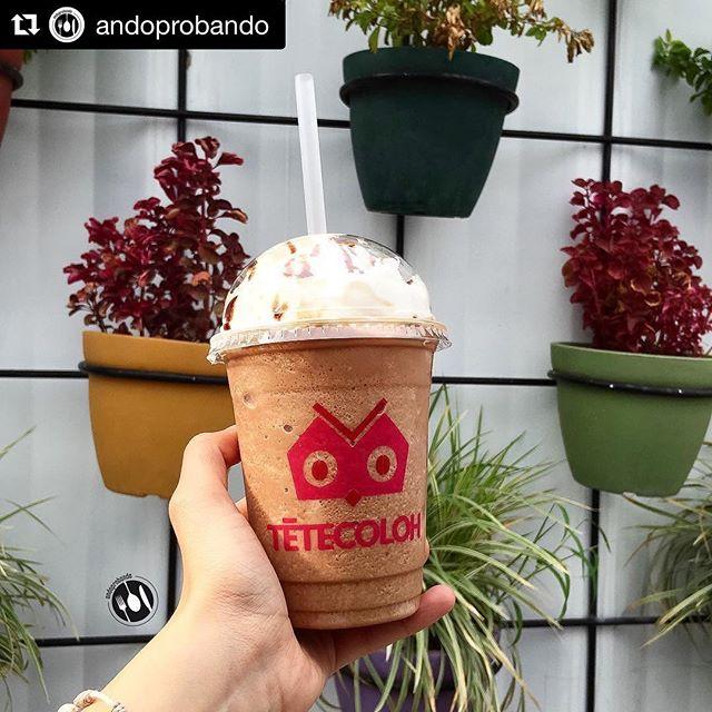¡Gracias por tu visita! El Chocoplátano también es nuestro favorito 🙈🍌🍫✨✨ // #Repost @andoprobando (@get_repost) ・・・ Despierta probando algo rico! 💕🍌 Chocobanana frappe | #andoprobando #tetecolohcafe