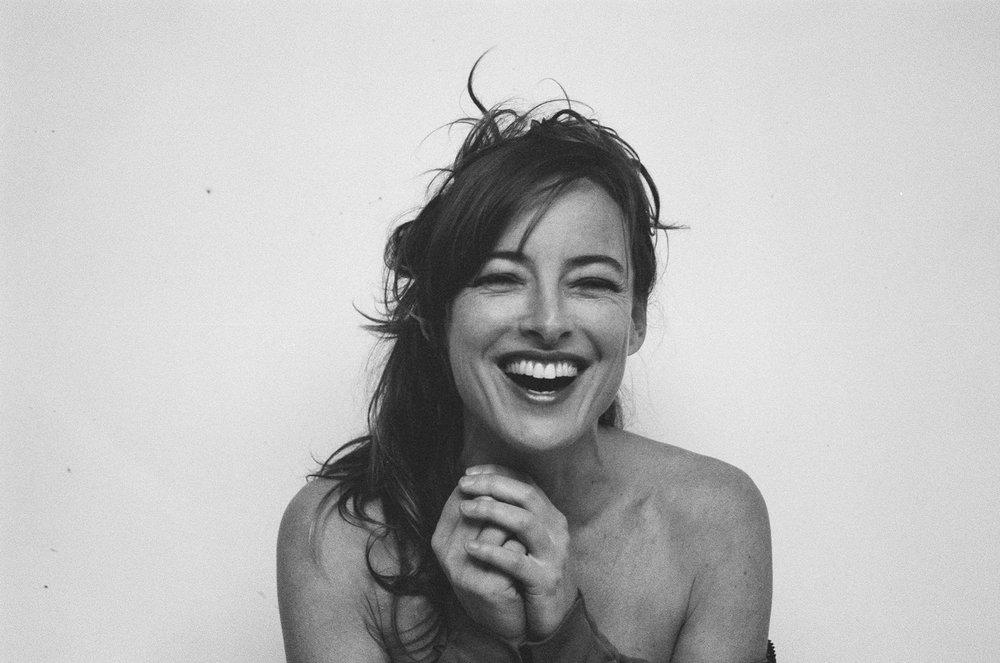 Pascale Bussières riant , 2013 Édition 1/5