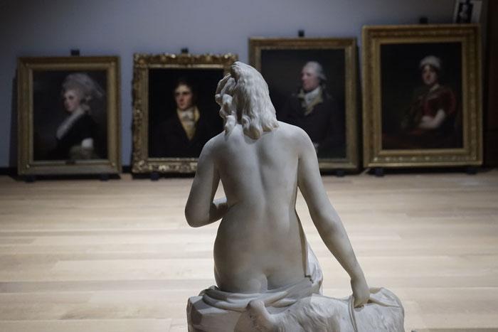 Jennifer Alleyn, Mesdames et messieurs, 2017, photographie numérique,1 de 5 tirée de la série  Un oeil au Musée.