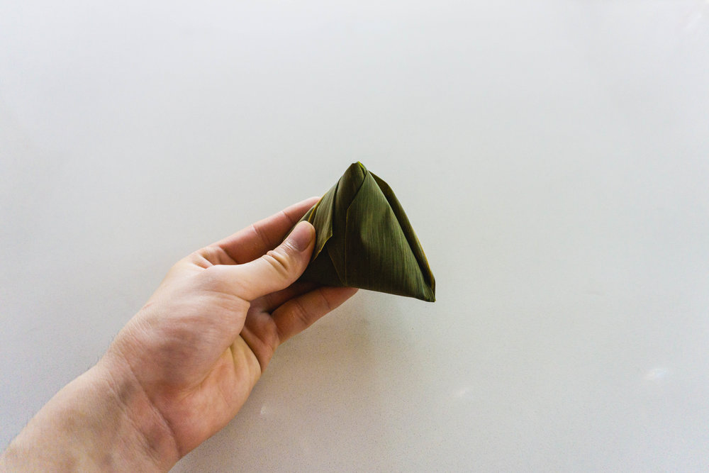 How to wrap a zongzi - part 10