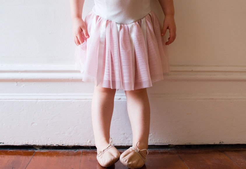 little ballerina girl intoeing
