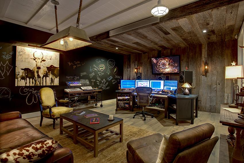 Cow_Studio_011.jpg
