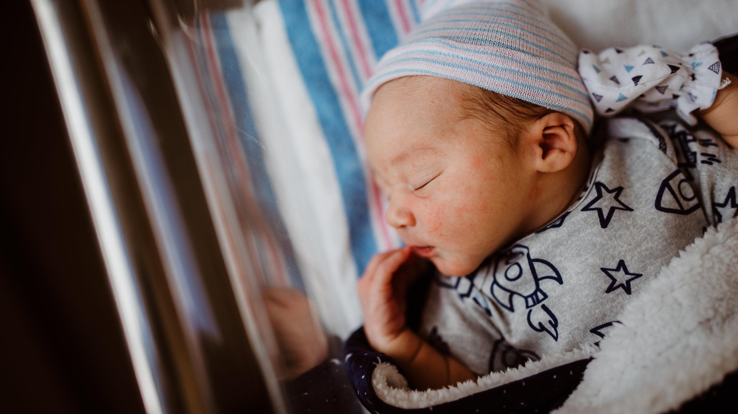 Lincolns fresh 48 session visalia newborn photographer taylor moore portraiture