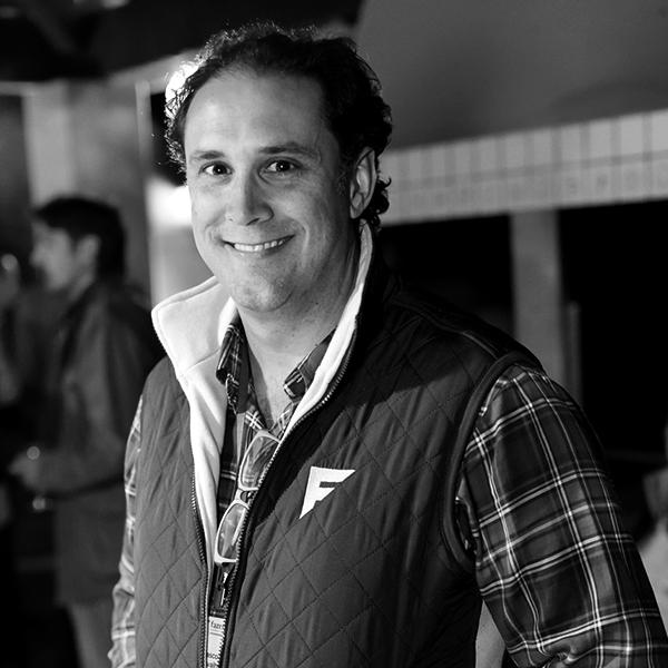 <b>Vasco Oliveira Neto</b></br>Fundador</br>Fazen</br><i>Dia 16 - 13h</br>Palco Itaú Inspiração</i></br></br>
