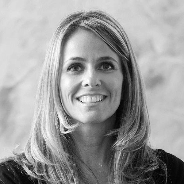 <b>Paula Noschese</b></br>Sócia-fundadora</br>Sol de Janeiro</br><i>Dia 16 - 15h</br>Palco Atualização</i></br></br>