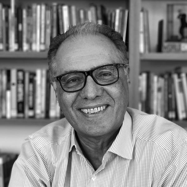 <b>Ricardo Guimarães</b></br>Fundador</br>Thymus Branding</br><i>Dia 16 - 17h30</br>Palco Itaú Inspiração</i></br></br>