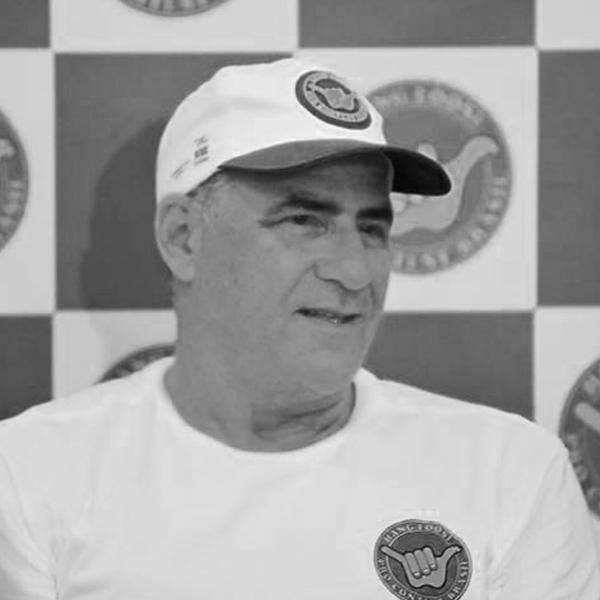 <b>Alfio Lagnado</b></br>Fundador</br>Surf Co.</br><i>Dia 17 - 17h30</br>Palco Conexão</i></br></br>