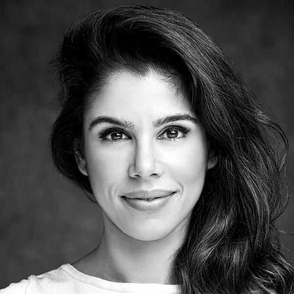 <b>Paula Guedes</b></br>Fundadora</br>Jobzi</br><i>Dia 16 - 15h30</br>Palco Conexão</i></br></br>
