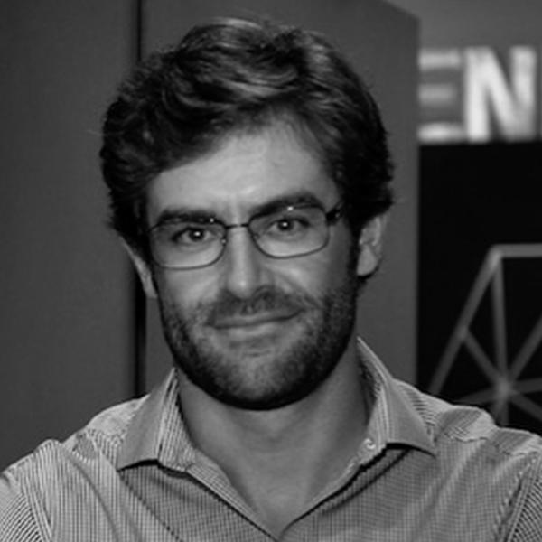<b>Renato Valente</b></br>Country Manager</br>Telefónica Open Future</br><i>Dia 16 - 13h00</br>Palco Conexão</i></br>