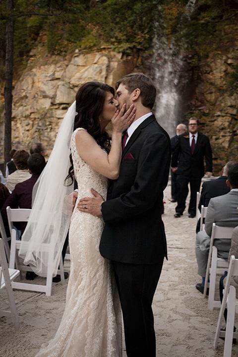 waterfall_wedding_kiss_raleigh
