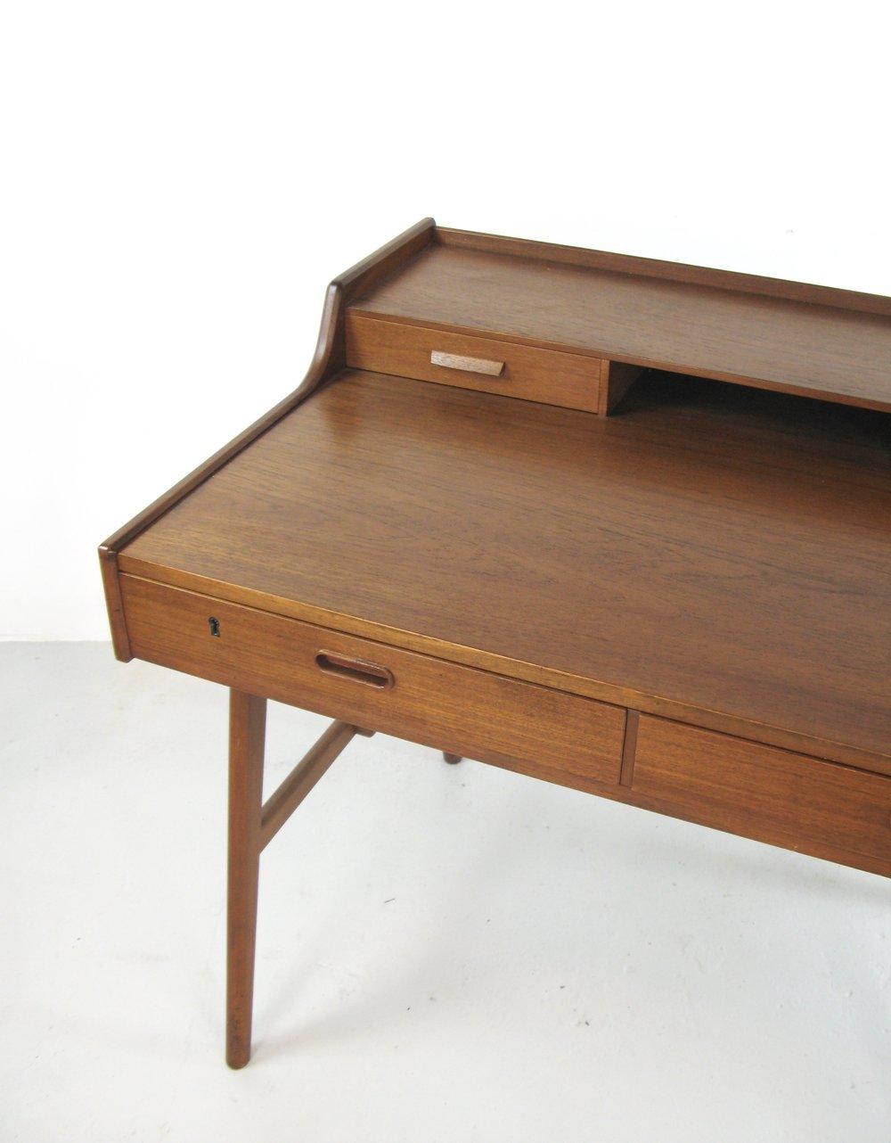 Nice Arne Wahl Iversen teak ladies desk — Designs Of Modernity WN44
