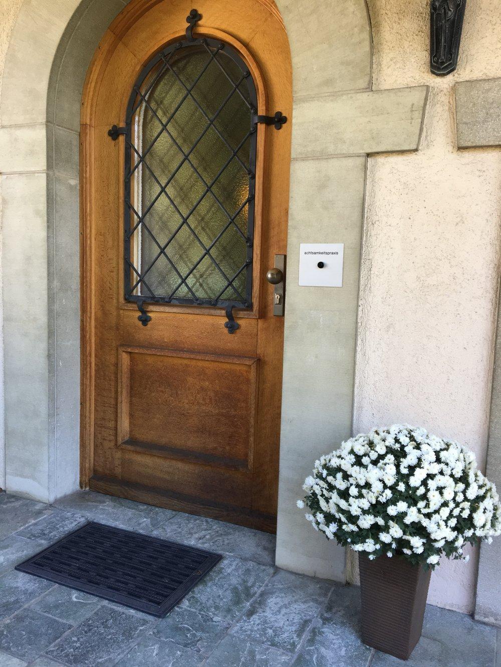 Eingang: Willkommen