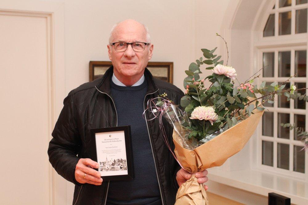 Karel Ingvar Karelsson fékk viðurkenningu fyrir 60 ára starf í þágu Sjómannadagsins í Hafnarfirði.