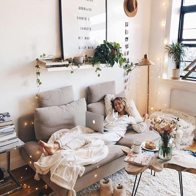 YES. It is National LAZY DAY. And we're ALL for IT! Photo Cred @viktoria.dahlberg #lazyday #chillax #blinfin⠀ .⠀ .⠀ .⠀ .⠀ .⠀ #design #interiordesign #design #decor #photooftheday #interior #home #apartmenttherapy #inmydomaine #decorcrushing #howyouhome #eclecticdecor #myhousebeautiful #currenthomeview #mydomaine #mycovetedhome #simplystyleyourspace #eclectichome #decorinspo #thedecorsocial ⠀ ⠀ ⠀