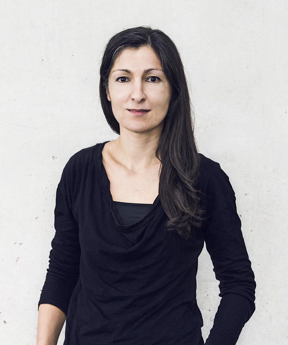 FARZANEH MOINIAN     DIPL. INTERIOR ARCHITECT /   FREELANCE     farzaneh.moinian@iriadegen.com