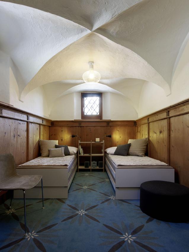 129_iria_degen_interiors_apartment_mountain_retreat1.jpg