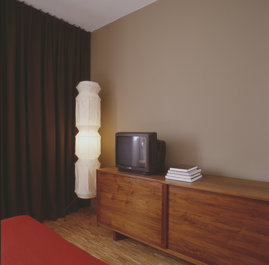 007-iria-degen-interiors-apartment-paris2.jpg