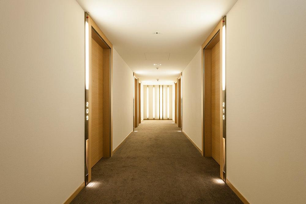 158_iria_degen_interiors_hotel_pullman_basel_europe8.jpg