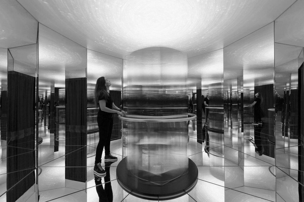 740_iria_degen_interiors_galvolux_exhibition1 2.jpg