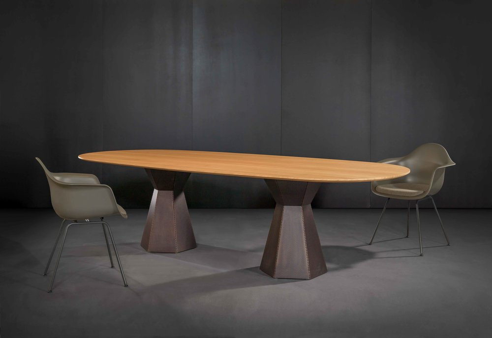 Zoom by Mobimex_AVA_table by Iria Degen Interiors_2.jpg