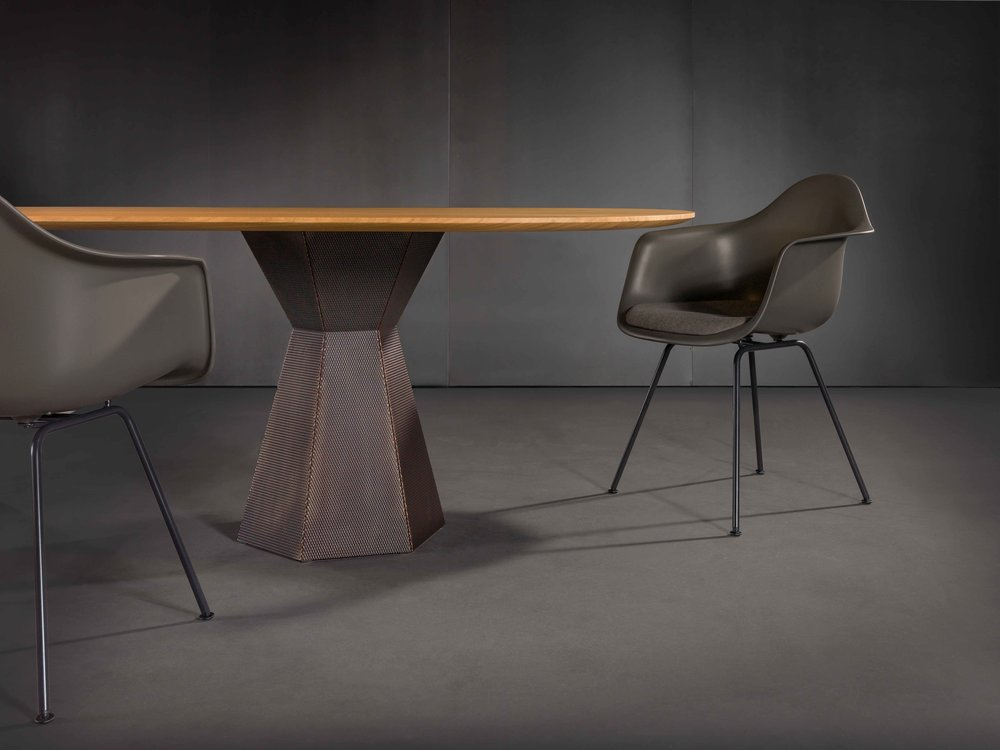 Zoom by Mobimex_AVA_table by Iria Degen Interiors_3.jpg