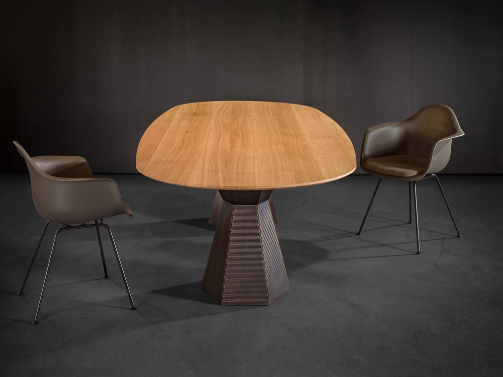 Zoom by Mobimex_AVA_table by Iria Degen Interiors_4.jpg