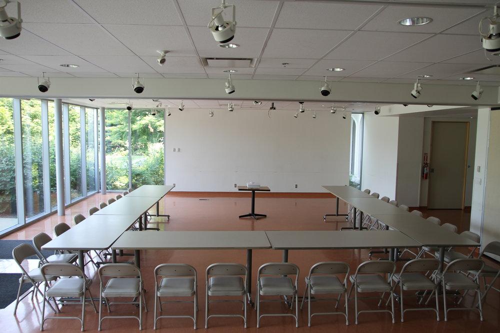 Meeting style2 LHL.JPG
