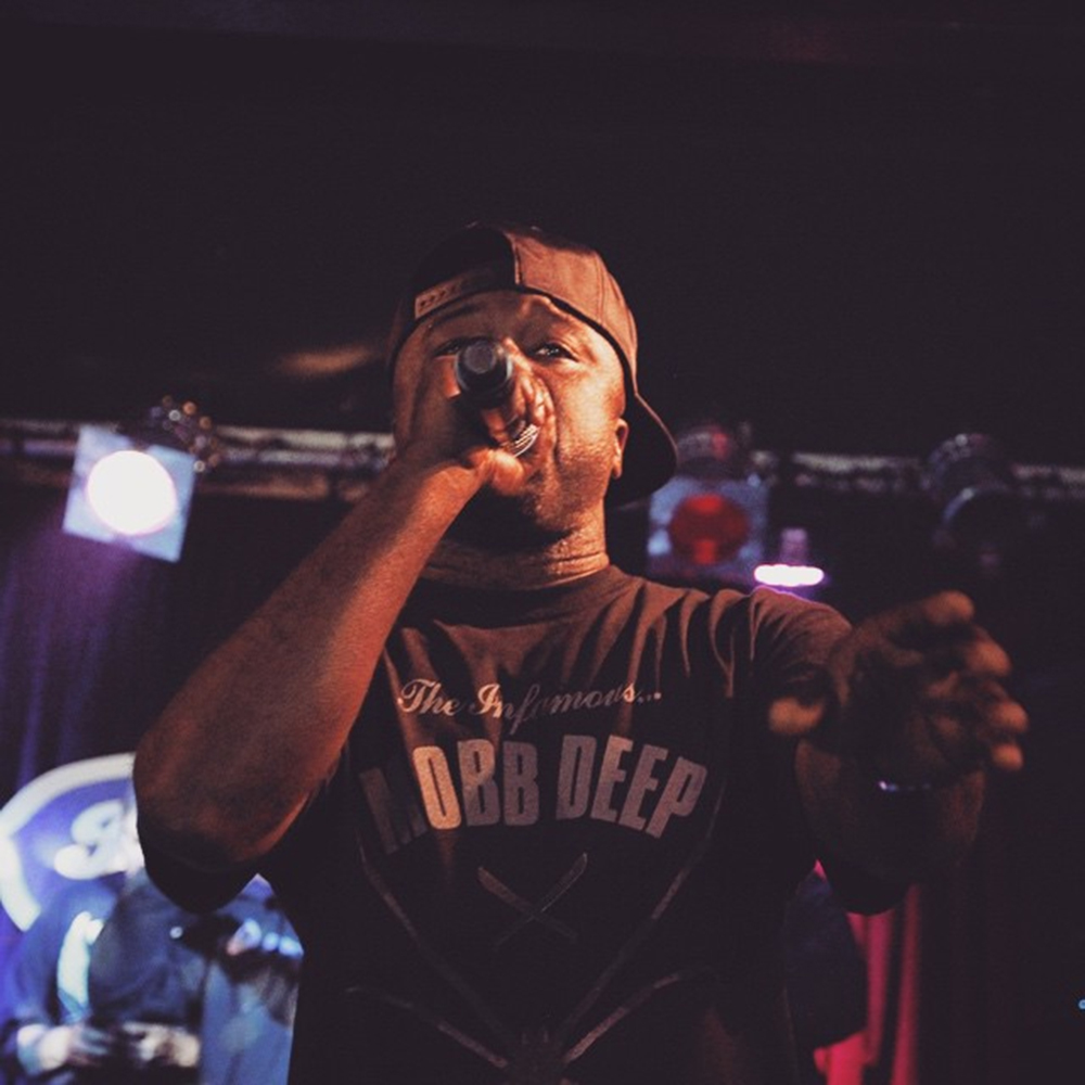 HAVOC PERFORMING IN DOM'S MOBB DEEP SPIDER TEE