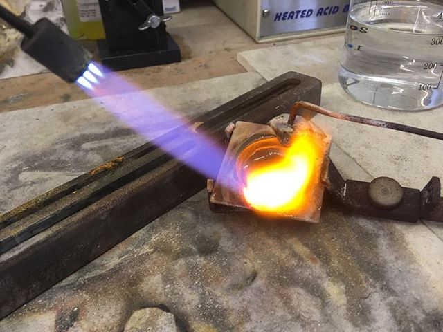We've had a craaaazy busy week at the workshop - quite literally on fire! 🔥  #fire #remodelling #gold #jewellery #localbusiness #crafting #oswestry #shropshire #workshop