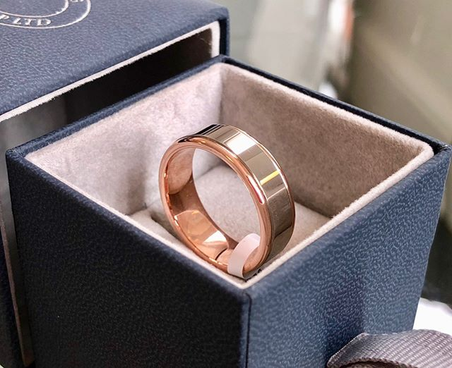A gents ring from our collection... This is a distinctive and classy piece made from 9 carat rose gold and palladium  If you're still looking for rings ahead of a summer wedding, we can help. With a wide range in stock or our workshop on hand, we can always find the right thing for you 💍  #summerwedding #weddingring #mensjewellery #rosegold #localbusiness #crafted #bespoke #oswestry #shropshire #midwales #northwales #wrexham #chester #cheshire