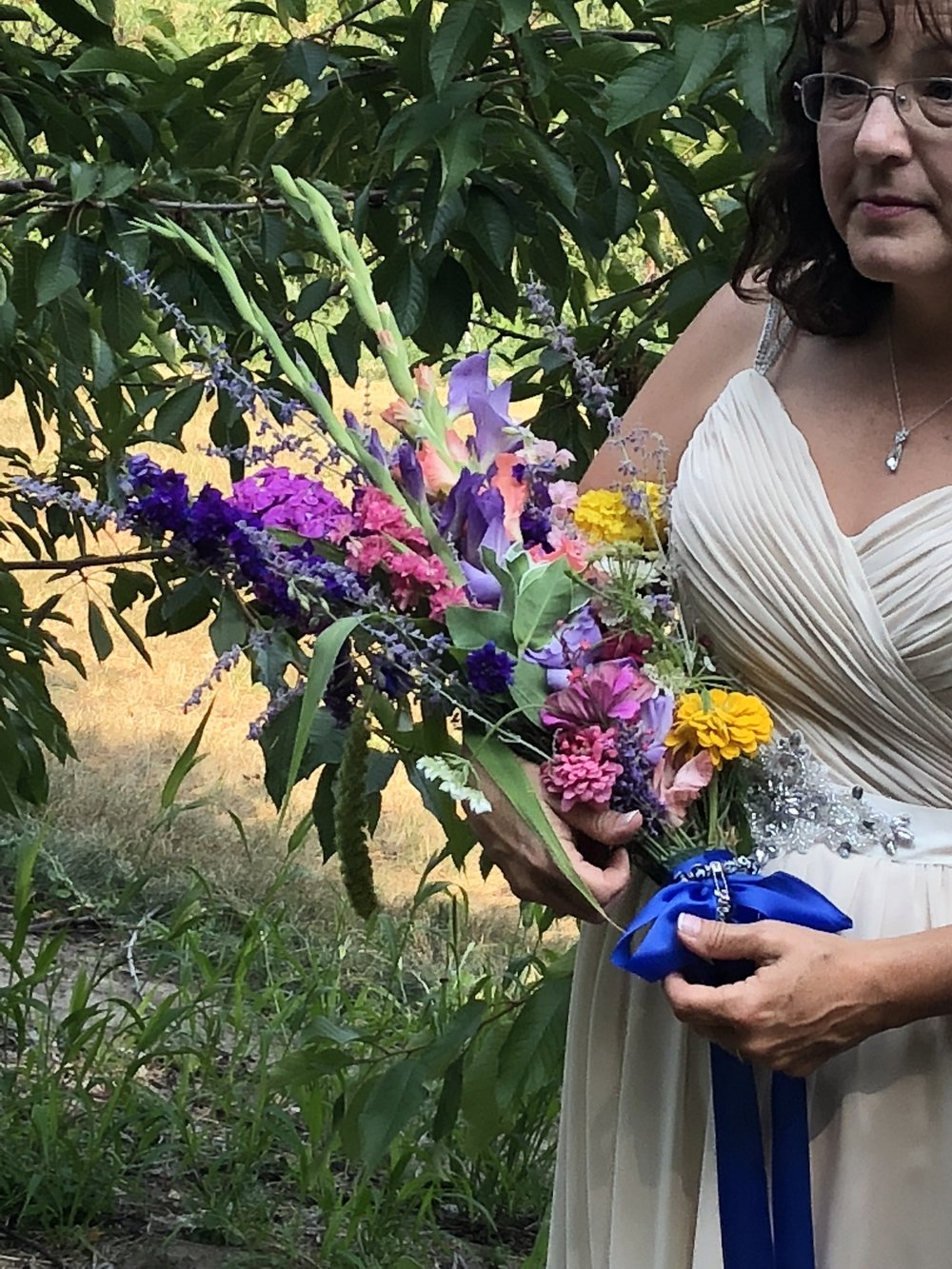 8/16/2018 ~ Denise came and picked her own flowers the day before her wedding, and made her own bouquet!