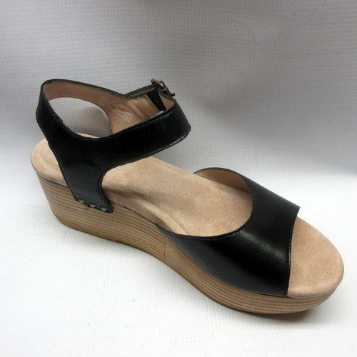 39db5a2245b Dansko Sandals Women Silvie in Black — Cabaline