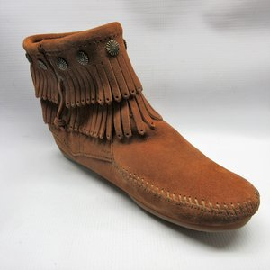 933a5ae3b75 minnetonka-boots-women-double-fringe-side-zip-brown.