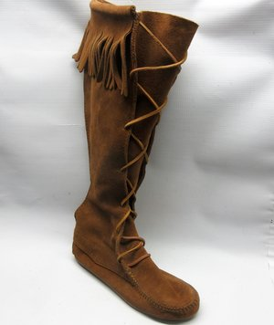 5e02a5b8ca5 minnetonka-boots-women-front-lace-boots-dusty-brown-