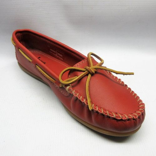 31e48f7d18d Minnetonka Shoes Women Leather Moccasins in Red — Cabaline