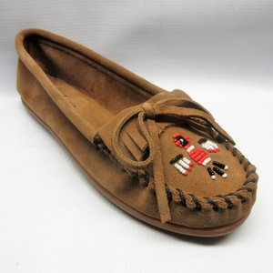 cfd1d870f25 minnetonka-shoes-women-thunderbird-moccasin-distressed-brown-size-
