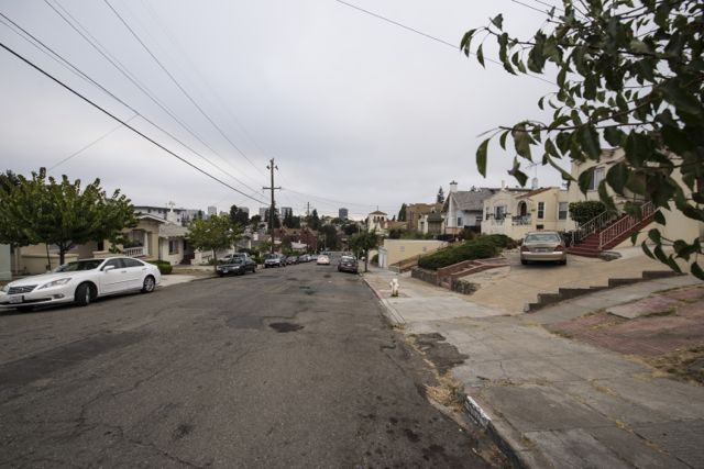 Oakland_Housing1.jpg