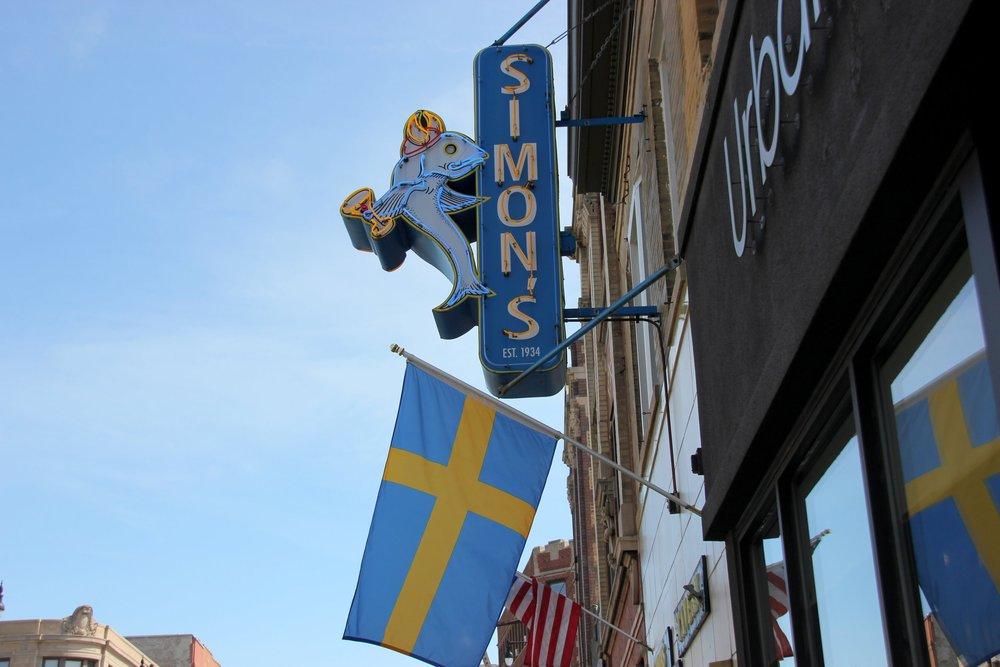 Simon's Bar.JPG