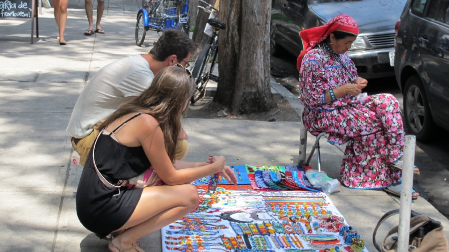Roma Street Vendor_used.jpg