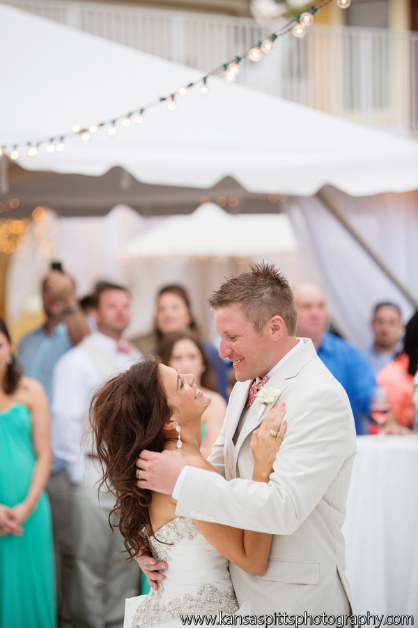 Branham_Busby_kansas_studios__kansas_pitts_photography__design_Reception66_low.jpg