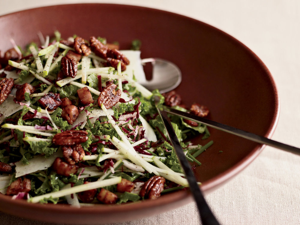 201011-xl-kale-and-apple-salad-with-pancetta-and-candied-pecans.jpg