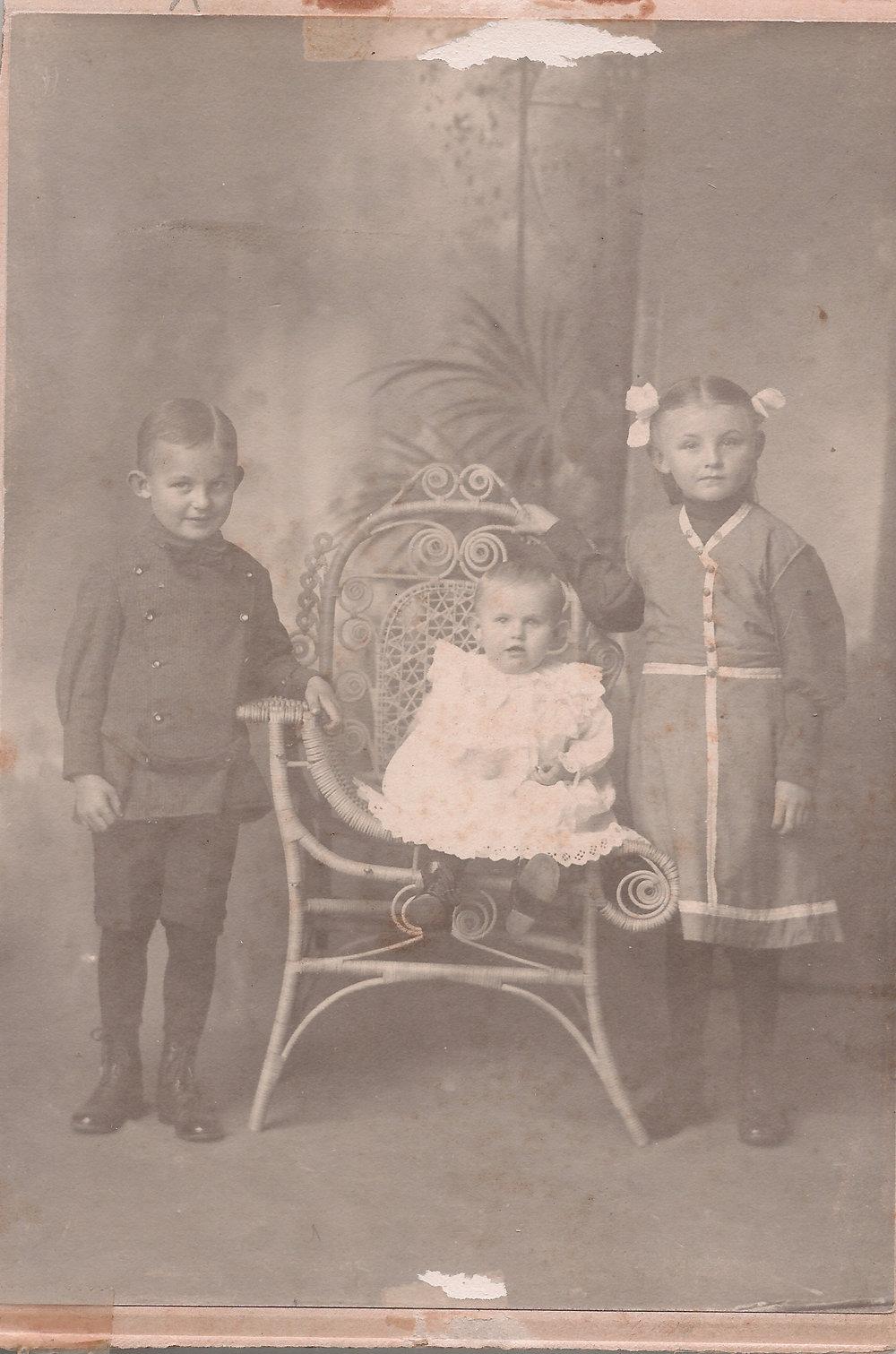 Fritz Shilo-Clara Shilo-Hilda Shilo.jpg