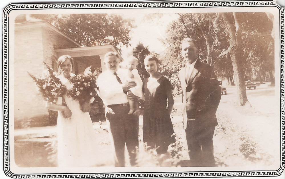 Mr and Mrs Shilo - baby Dorothy Voigt - Elsie - Max.jpg