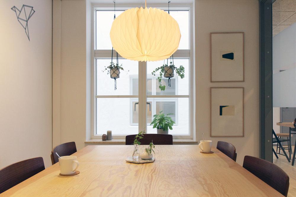meetingroom1.jpg
