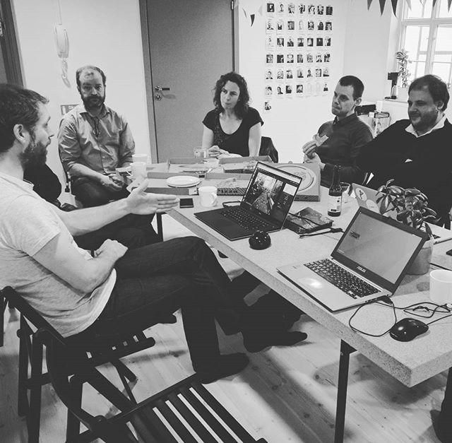 Igår hade  OpenStreetMap meetup hos House of Ada. Här berättar @peterneubauer om @mapillary.